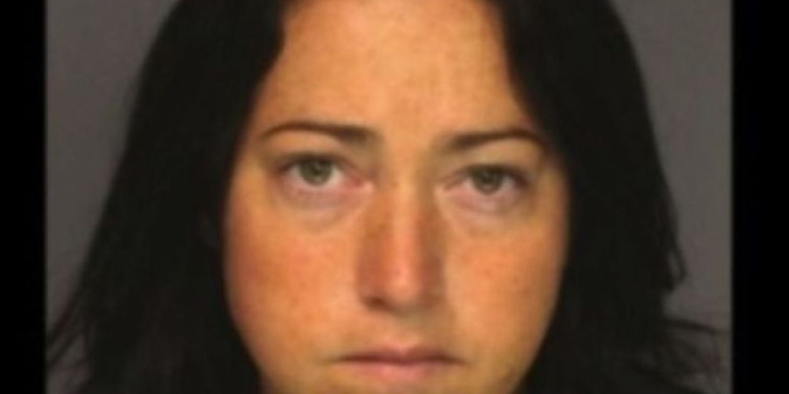 Nicole DuFault, de 35 años. Acusada de tener sexo con seis alumnos Foto:Essex County Sheriff's Offic