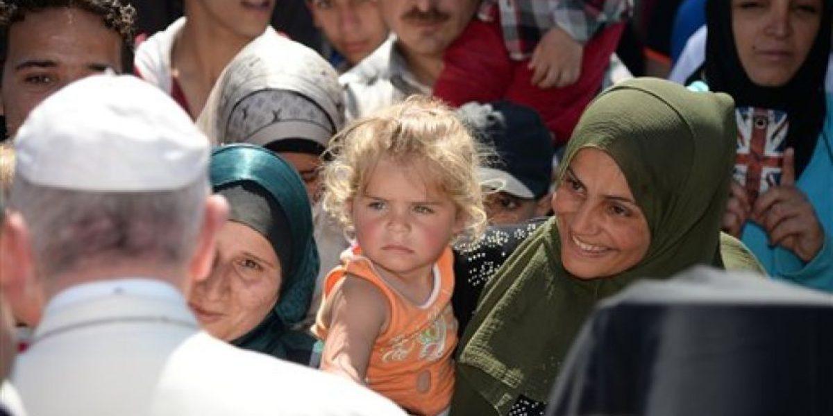 El Vaticano mantendrá a refugiados llevados a Roma por el Papa