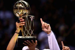 Comienza la lucha por el trofeo Larry O'Brien. Foto:Getty Images