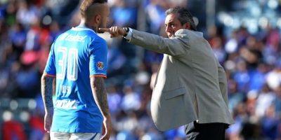"""El """"Toro"""" Vuoso explotó contra el estratega de 'La Máquina'. Foto:Mexsport"""