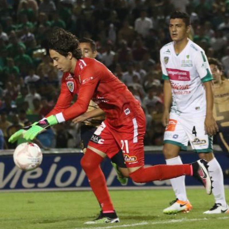 Doblete de Herrera y Pumas vuelve a la senda del triunfo Foto:Mexsport