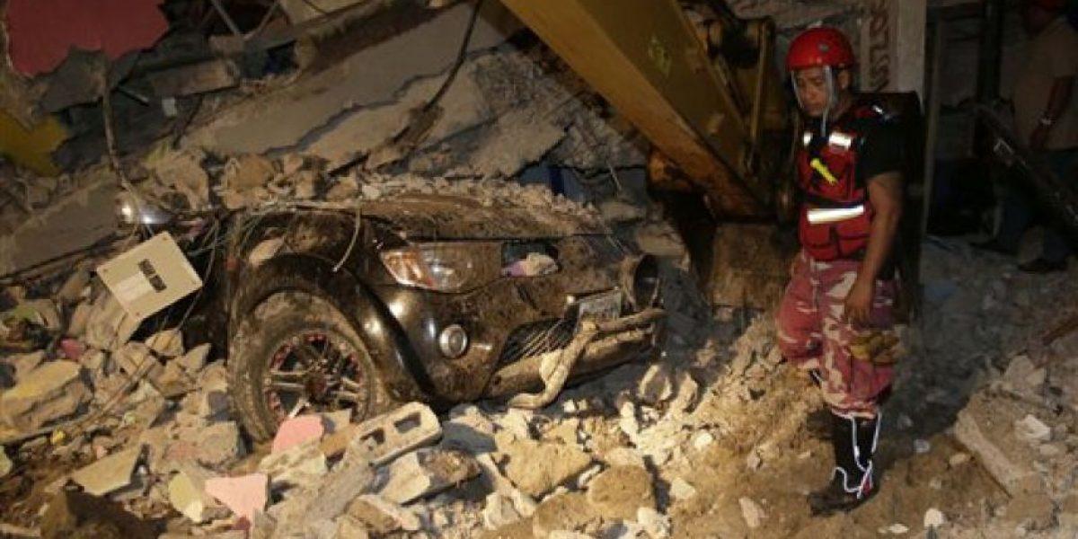 Suman 246 muertos por sismo en Ecuador