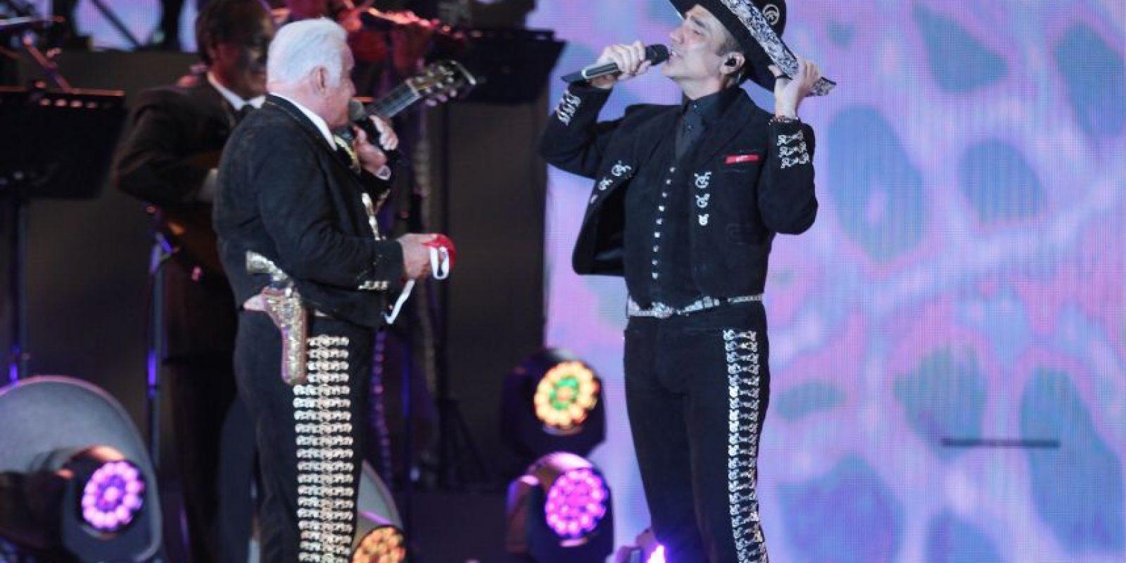 El cantante se despidió depués de 50 años de carrera. Foto:Notimex
