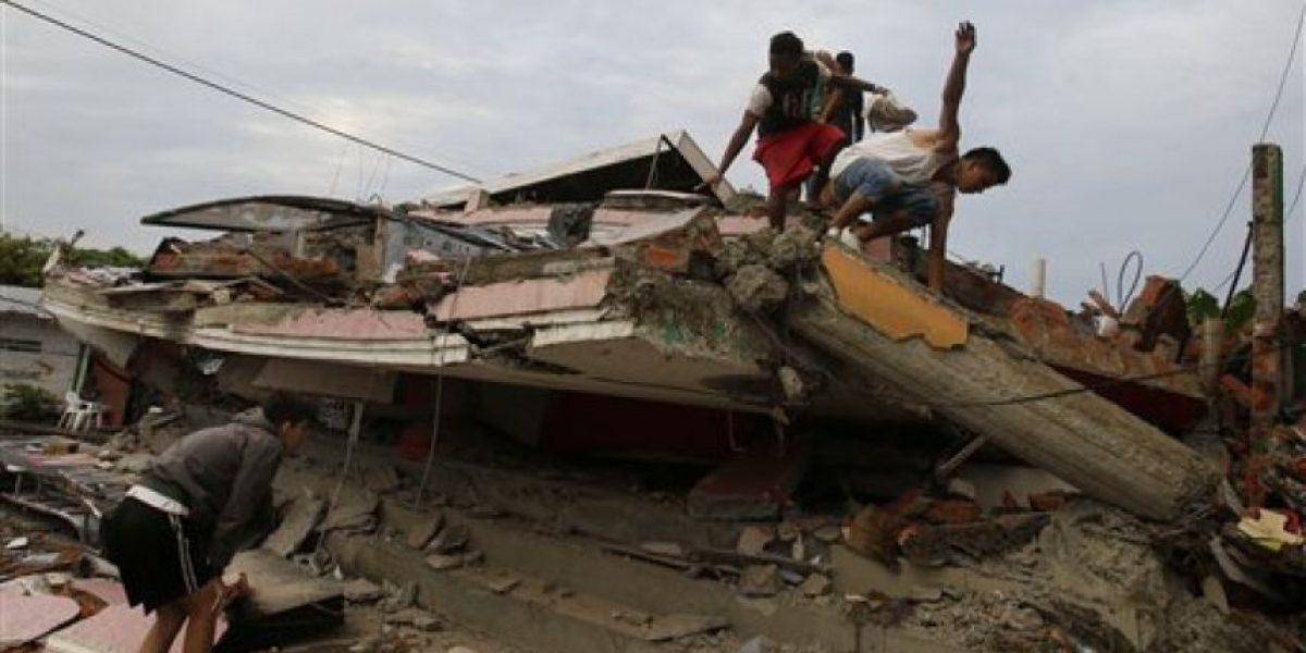 Peña instruye a Segob y SRE a enviar ayuda humanitaria a Ecuador