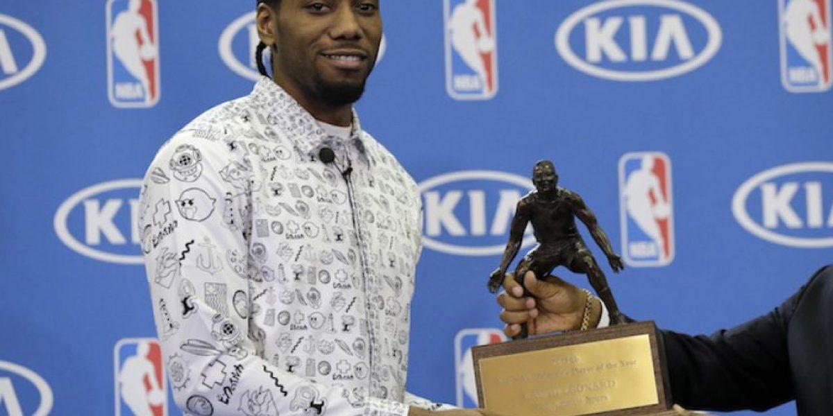 Kawhi Leonard es nombrado Defensivo del Año en la NBA