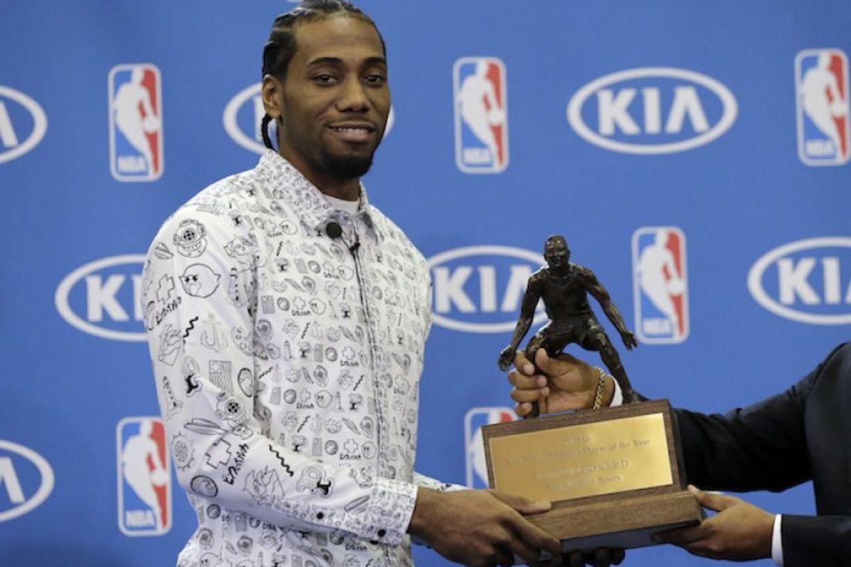 Kawhi Leonard es nombrado Defensivo del Año en la NBA Foto:AP