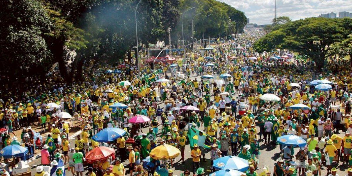 Manifestaciones en las calles por juicio político de Dilma Rouseff