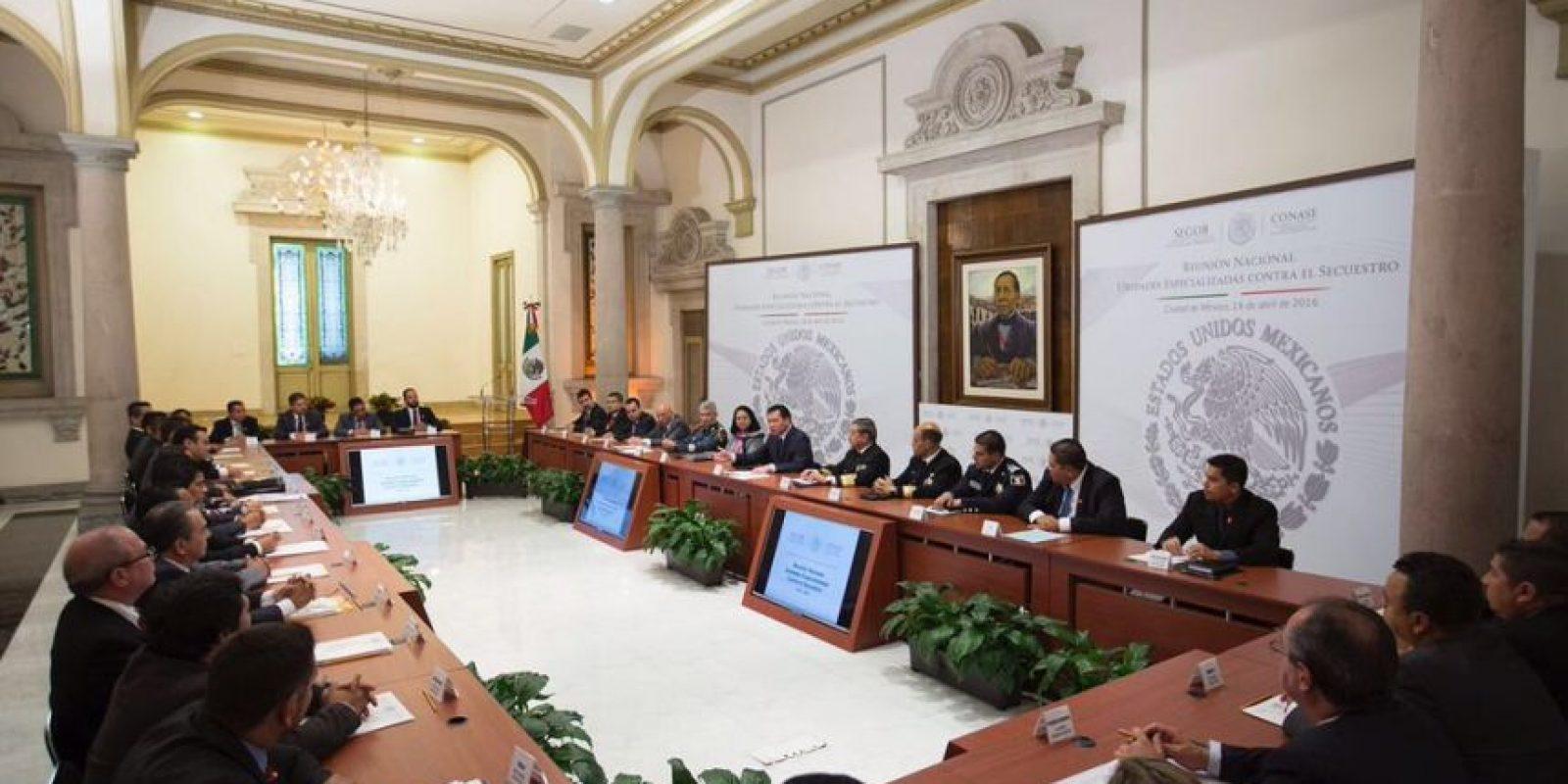 En la reunión compartieron buenas prácticas en el combate al crimen. Foto:Twitter Osorio Chong