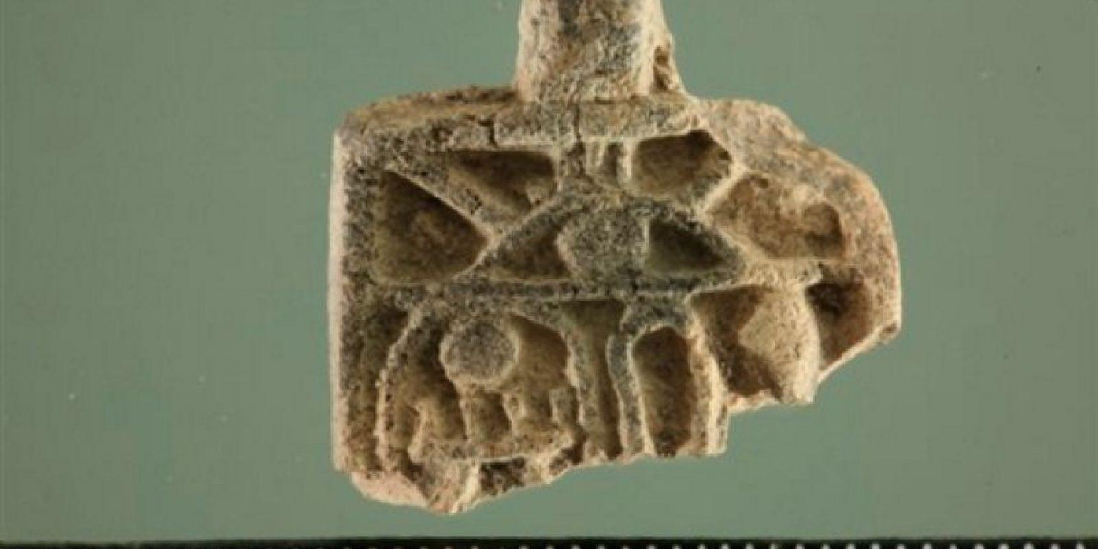 Esta imagen proporcionada por la fundación Ir David – Ciudad de David el martes 19 de abril de 2016, muestra un amuleto egipcio de la época de los faraones. Foto:AP