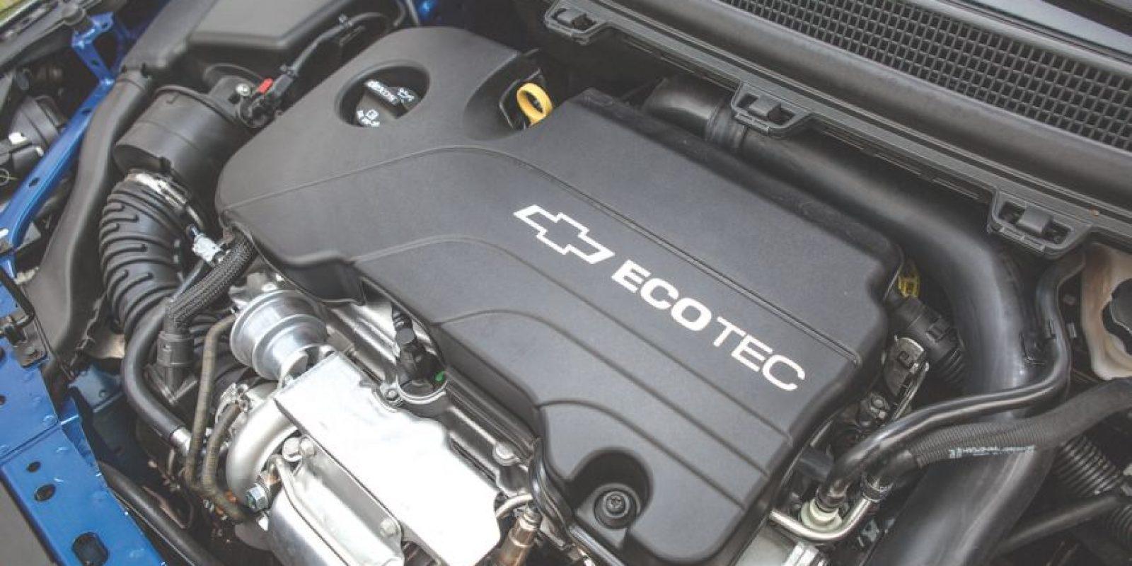 Cuatro cilindros turbo y 153 hp para todas las versiones del Cruze. Foto: GM