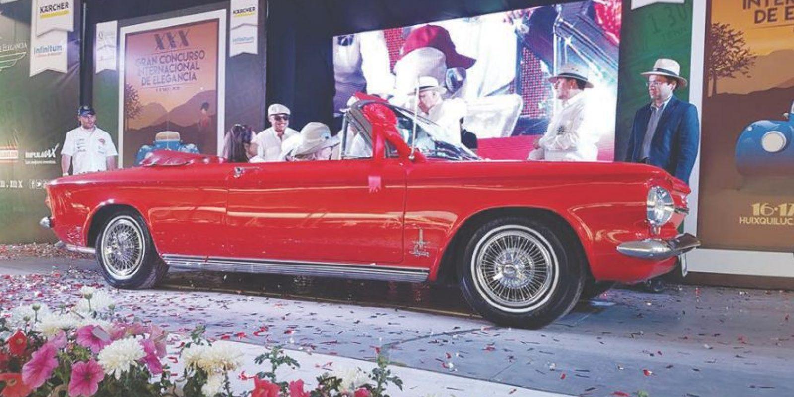 Chevrolet Corvair Monza Spyder Convertible 1963, como Mejor Auto Americano. Foto:Marco Alegría