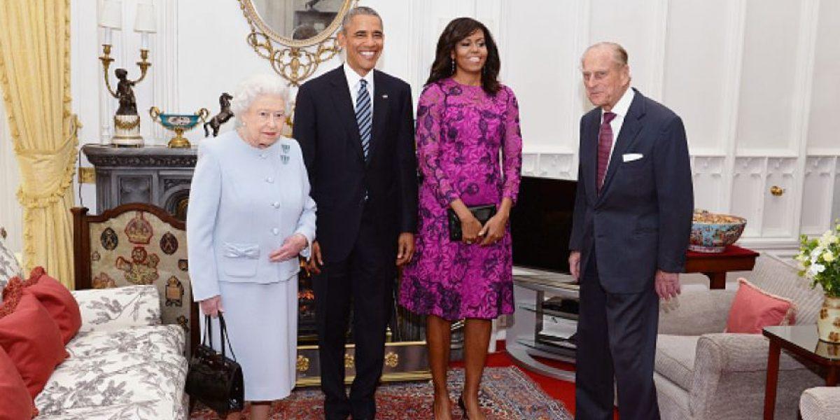 Obama llega al castillo de Windsor para almorzar con Isabel II