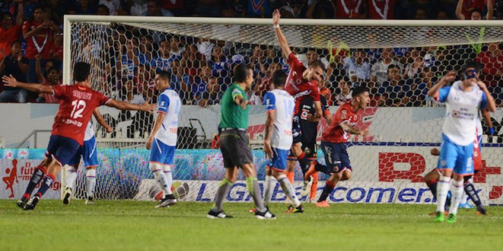 Veracruz deja al Cruz Azul al borde de la eliminación Foto:Mexsport