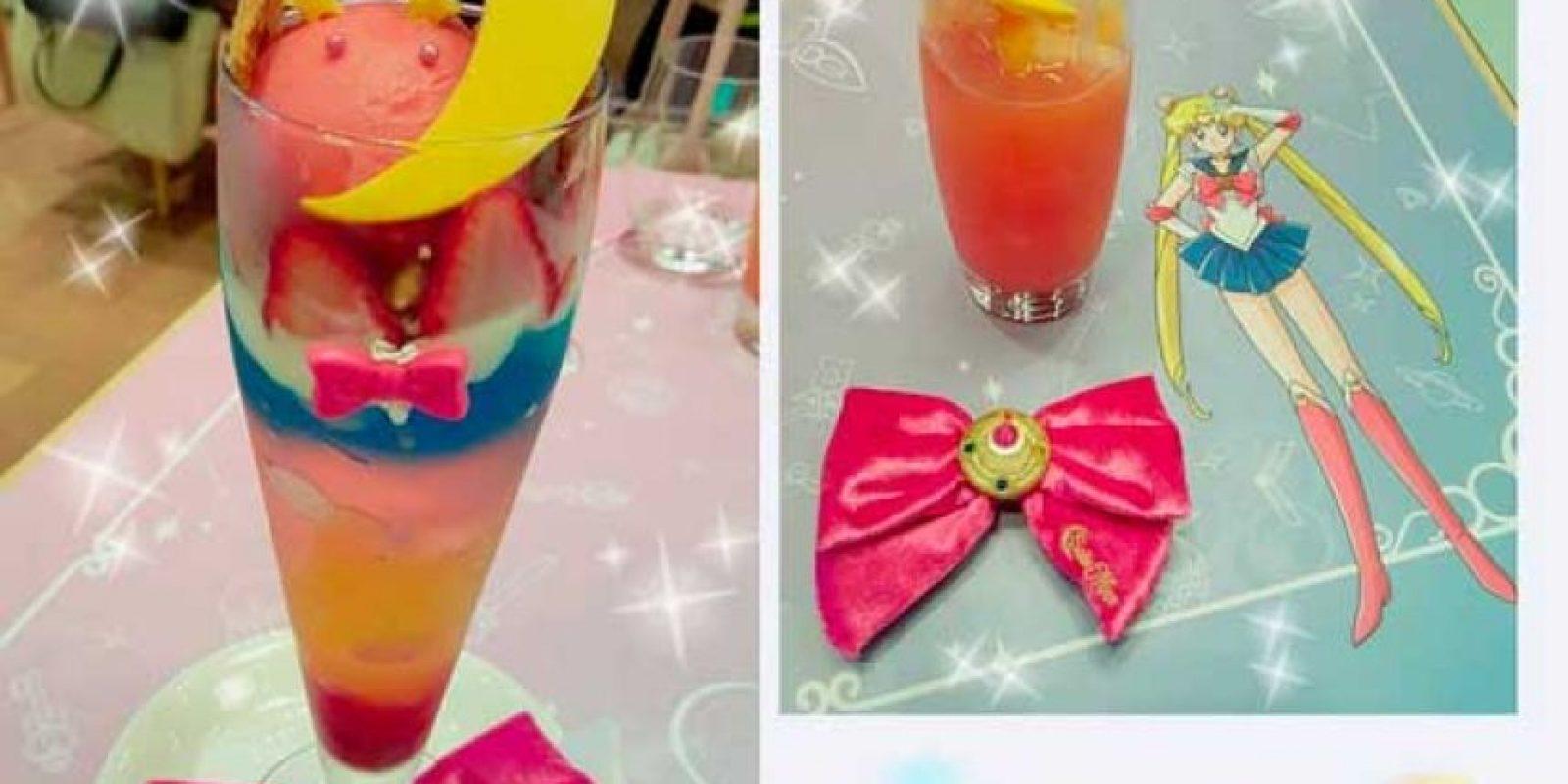 Se pueden pedir bebidas, platillos y postres, todos los cuales llevan algún guiño a la serie y símbolos lunares. Foto:Vía instagram.com/explore/tags/chibiusacafe