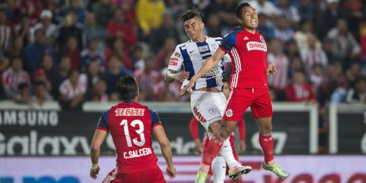 Pachuca y Chivas empatan en intenso partido