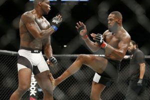 Jon Jones se vuelve a coronar en UFC 197 Foto:AP