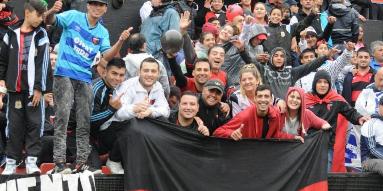 Y sus hinchas están muy molestos con los jugadores, a quienes ya llegaron a agredir. Foto:Vía facebook.com/ColonOficial