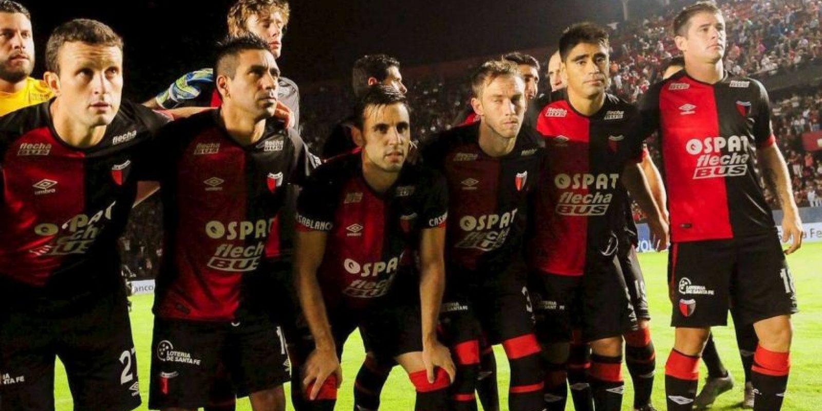 Este equipo, ubicado en la zona 2 del Torneo de Primera División de Argentina, es noveno lugar de la clasificación con 14 unidades. Foto:Vía facebook.com/ColonOficial