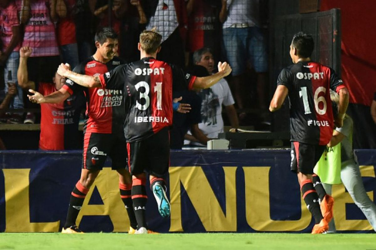 En 12 encuentros tiene 4 victorias, dos empates y seis derrotas. Foto:Vía facebook.com/ColonOficial