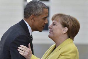 El presidente de Estados Unidos fue recibido por la canciller alemana en Hannover Foto:ap