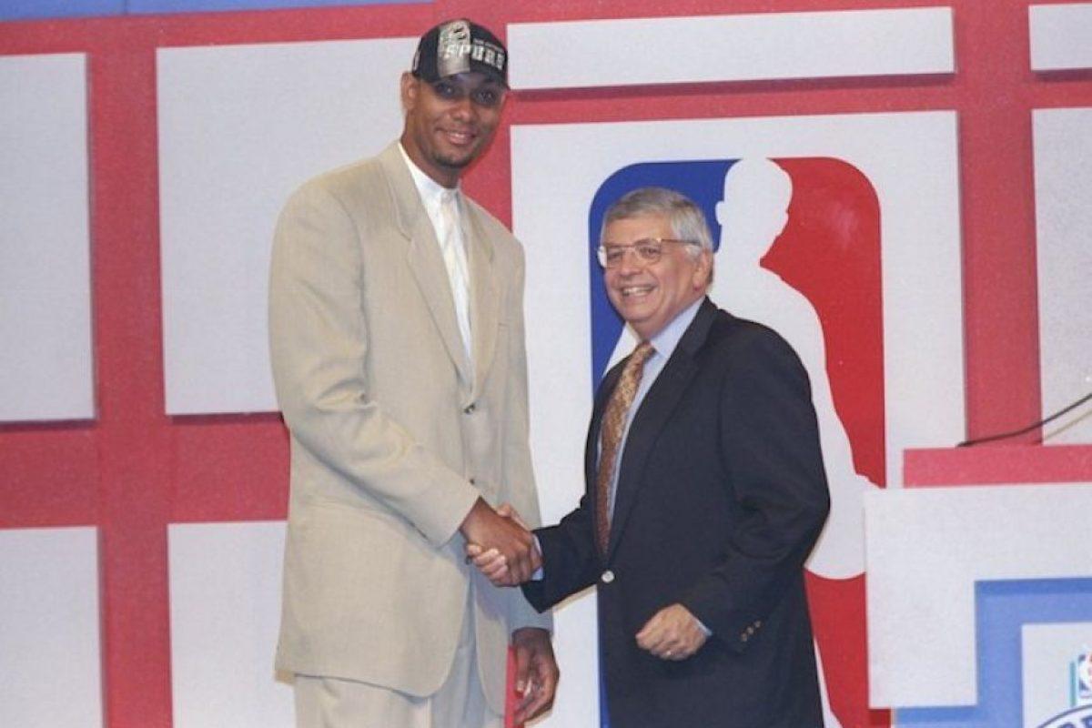 Los San Antonio Spurs lo eligieron en la primera posición del Draft de 1997. Foto:Getty Images