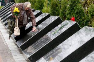 Las cifras oficiales sólo reconocen 31 víctimas mortales durante la explosión en el reactor 4 de la central nuclear Vladímir Ilich. Foto:AFP