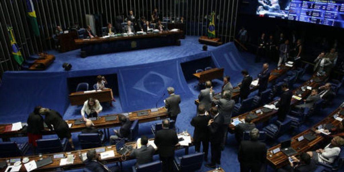 Senado instala comisión que decidirá juicio político contra Rousseff