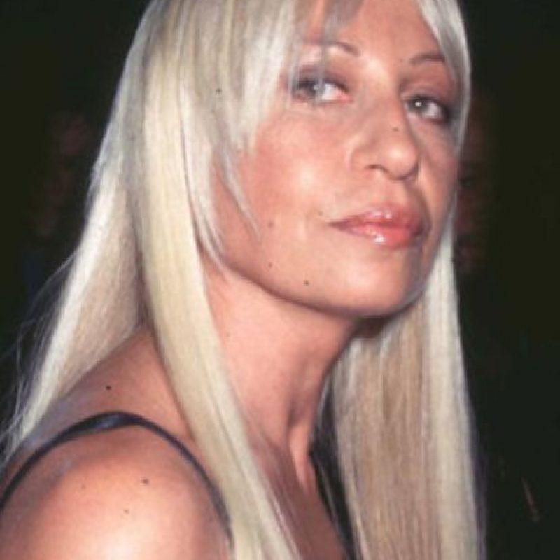 Así lucía Donatella Versace en los lejanos 90. Cuando su hermano era famoso y no ella. Foto:vía Getty Images