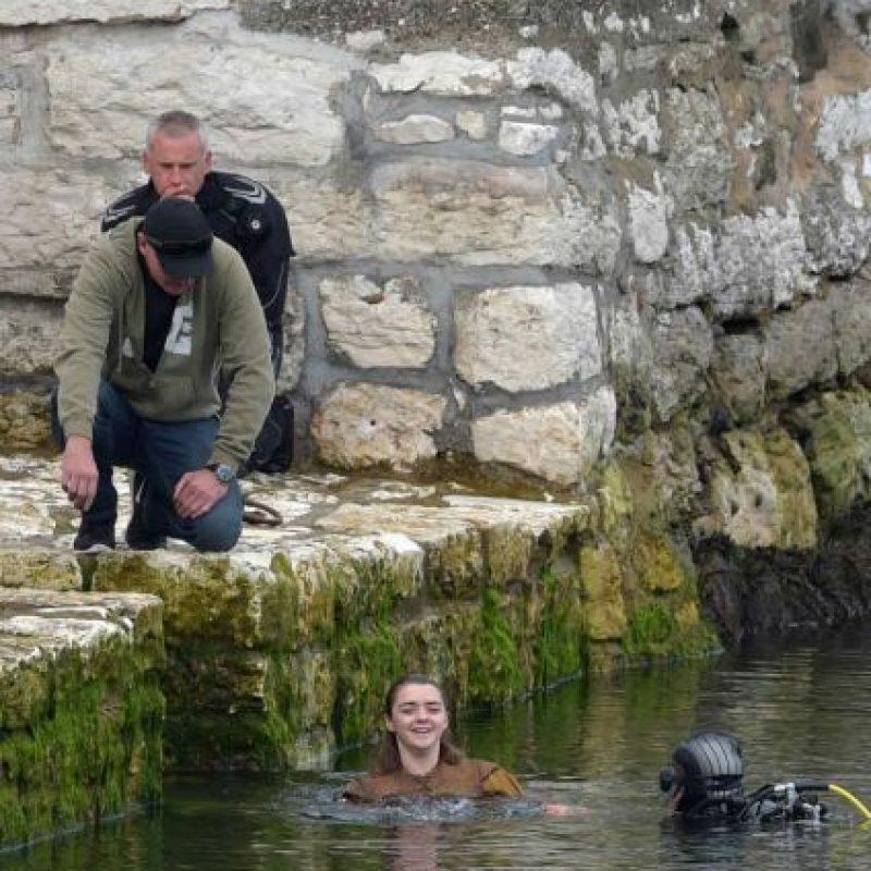 Este es el primer papel de Maisie Williams (Arya Stark), y lo aceptó para poder comprarse una lap-top. Foto:Getty Images
