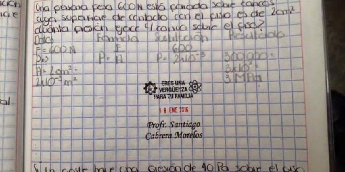 Separan a maestro por usar sellos ofensivos en Puebla