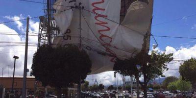 Los riesgos, dijo la Fundación, se expresaron en marzo pasado, con la caída de espectaculares por los fuertes vientos Foto:Tu México Limpio