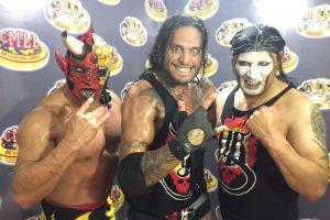 LOS HELL BROTHERS: Al salir de AAA, Cibernético unió nuevos integrantes a los Hell Brothers; Mephisto y Charlie Manson. Foto:Archivo