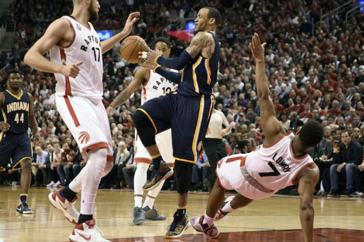 Raptors sufren pero vencen a Pacers y se ponen arriba en la serie Foto:AP