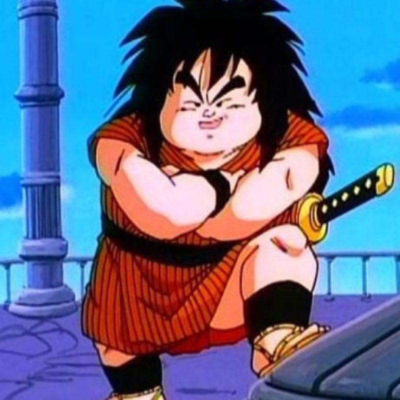 """Yajirobe es el """"asistente"""" del maestro Karim. Su mayor hazaña fue haberle cortado la cola a Vegeta cuando vino a invadir la Tierra y este estaba en la transformación Ozaru (como gorila gigante) Foto:Toei"""
