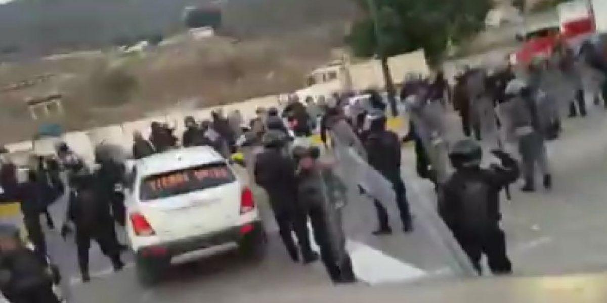 Desalojo de Autopista del Sol deja un muerto y cuatro federales heridos