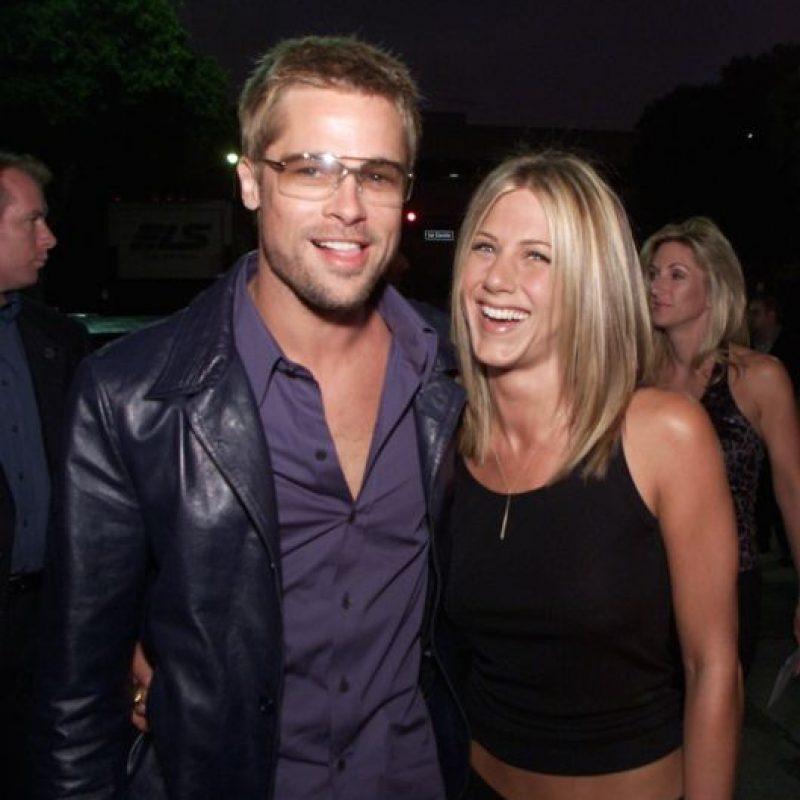 """""""El mundo quedó sorprendido y yo me quedé sorprendida. Es complicado. Uno va creciendo y cuando dejas de hacerlo en pareja, empiezan los problemas"""", mencionó Aniston a la revista """"Vanity Fair"""", meses después de consumar su divorcio. Foto:vía Getty Images"""