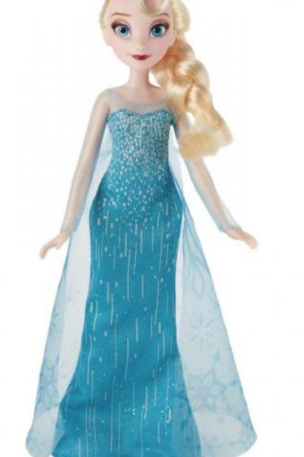 La nueva colección de Hasbro incluye a las princesas de Frozen. Foto:Especial