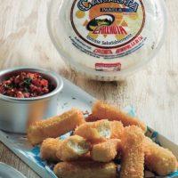 Palitos de queso con salsa de tomate. Foto:Especial