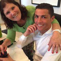 Las mejores imágenes de las redes sociales de la mamá de Cristiano Ronaldo Foto:Vía instagram.com/doloresaveiroofficial