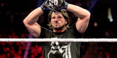 Frente a AJ Styles Foto:WWE