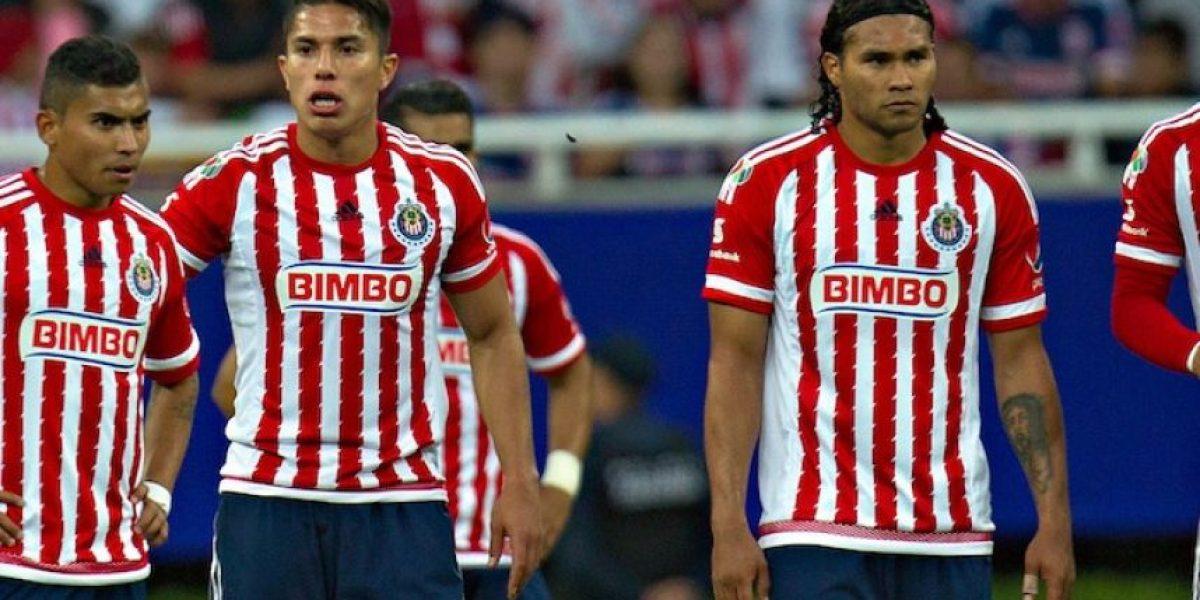Captan a jugadores de Chivas en concierto de Intocable