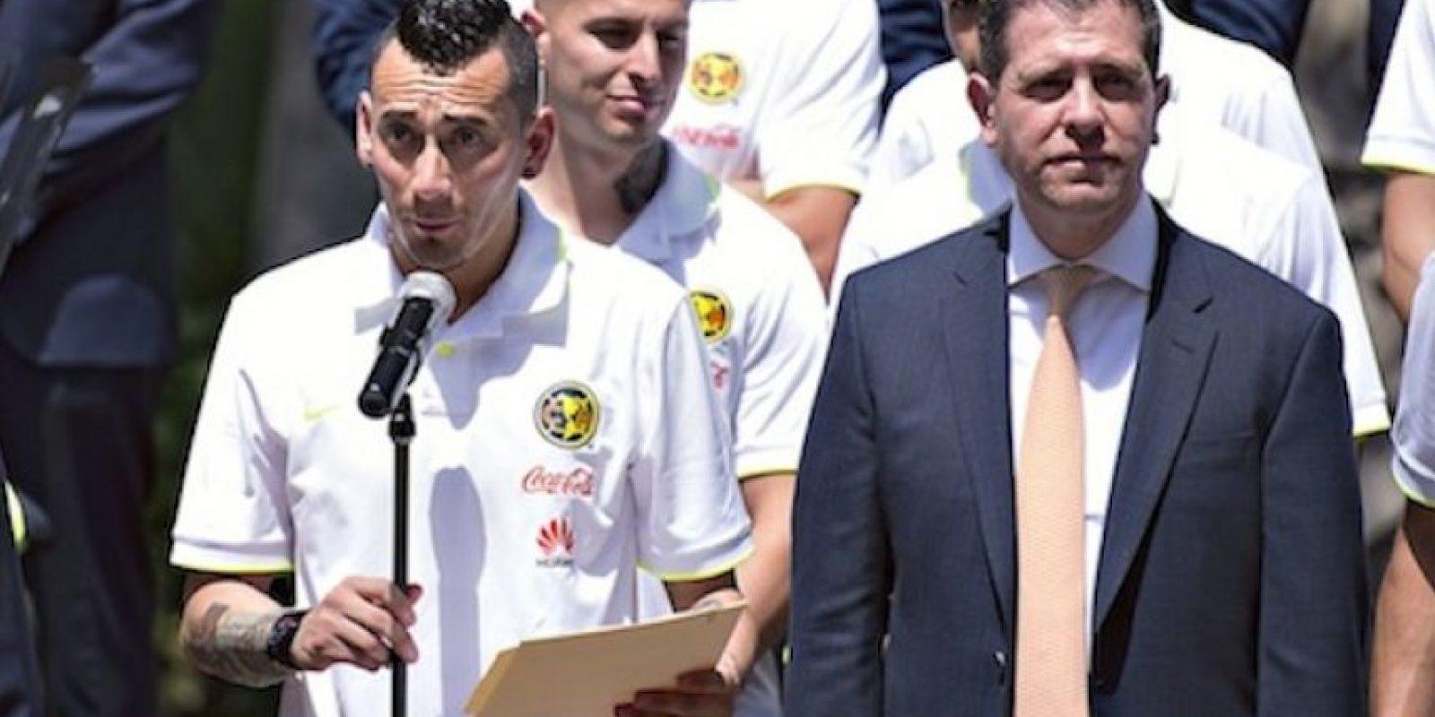 El titular de la Conade estuvo en Los Pinos durante la visita del Club América Foto:Mexsport