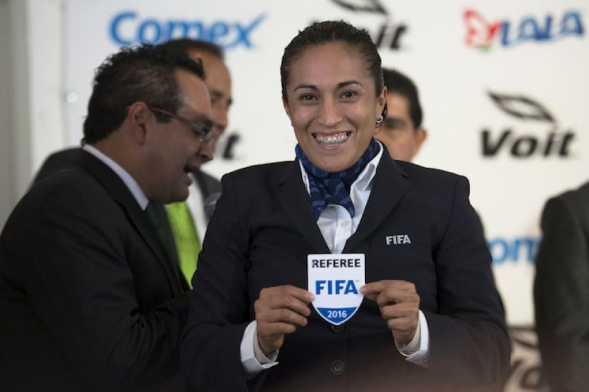 Lucila Venegas también será silbante central en Río 2016. Foto:Mexsport