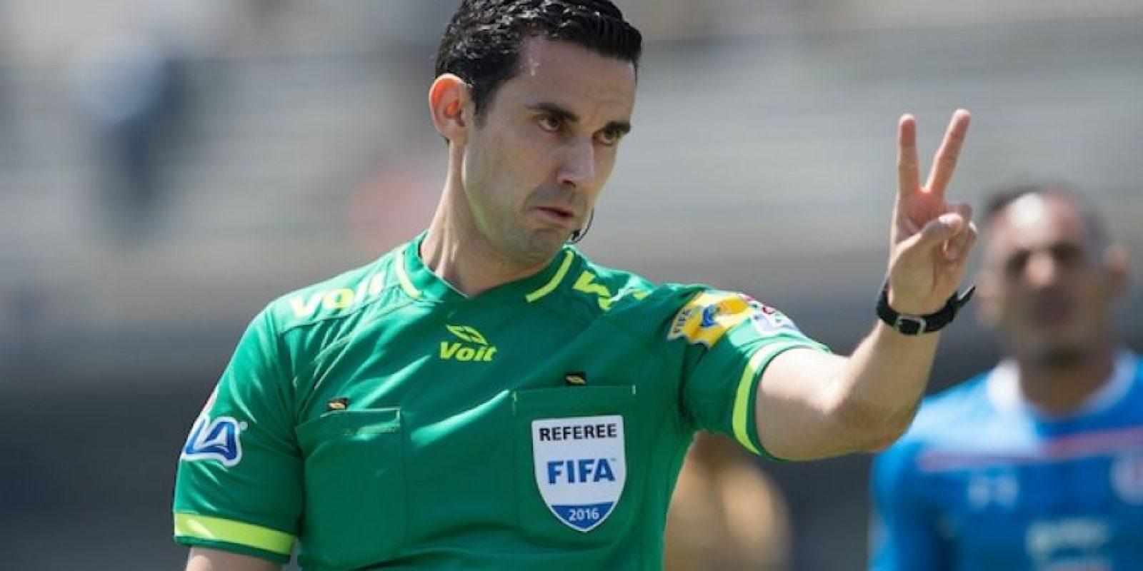 César Arturo Ramos es el único varón mexicano que fungirá como central en la justa olímpica. Foto:Mexsport