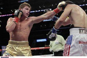 18/sep/2011 Saúl Álvarez realizó la segunda defensa del título mundial de peso súper welter ante Alfonso Gómez en el Staples Center de Los Ángeles, California, con un tremendo nocaut en el sexto round. Foto:Mexsport
