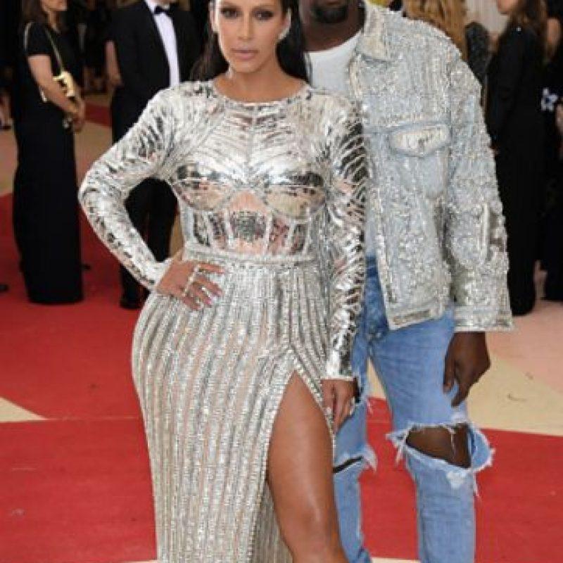 Kim Kardashian usó un Balmain. Foto:vía Getty Images