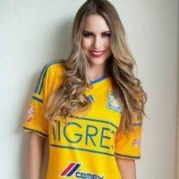 VIDEO: Mirolava Montemayor cumple y paga apuesta a Kary Correa Foto:Twitter y Facebook