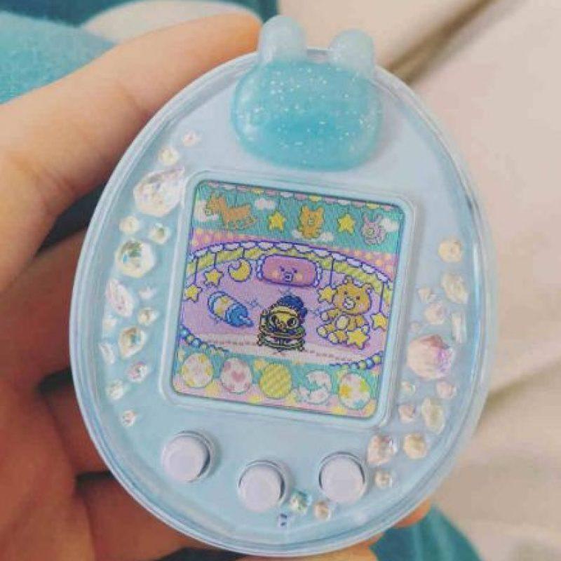 """Durante el """"boom"""" de este juguete, en Japón existían niñeras para """"Tamagotchi"""". Foto:Instagram"""