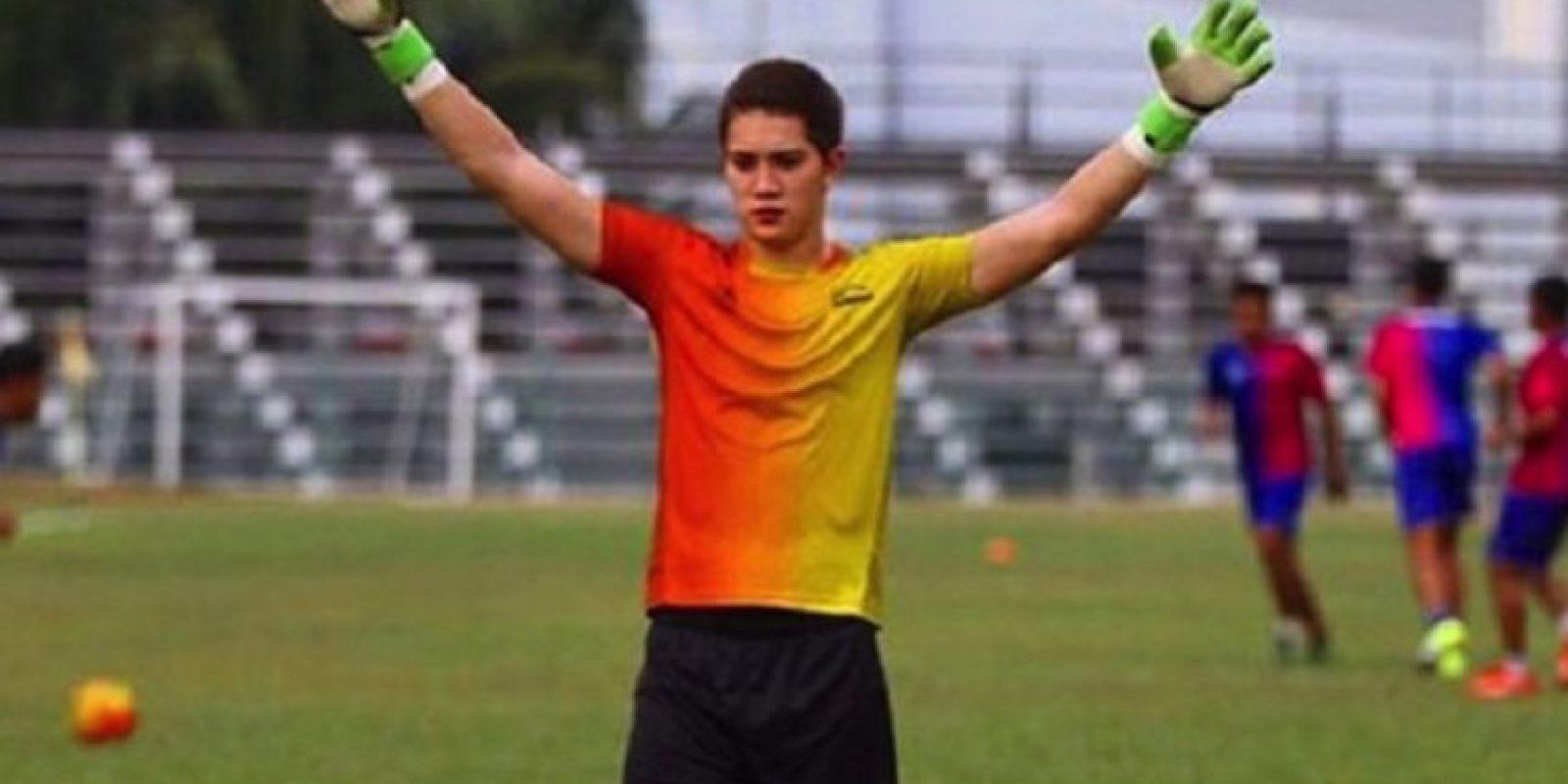 Stefan Petrovski durante un entrenamiento del Malacca United. Foto:Twitter: @sydneyolympic