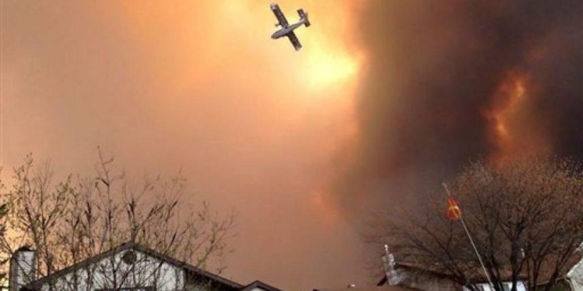 FOTOS: 80 mil residentes de Alberta, Canadá, huyen de incendio; declaran emergencia